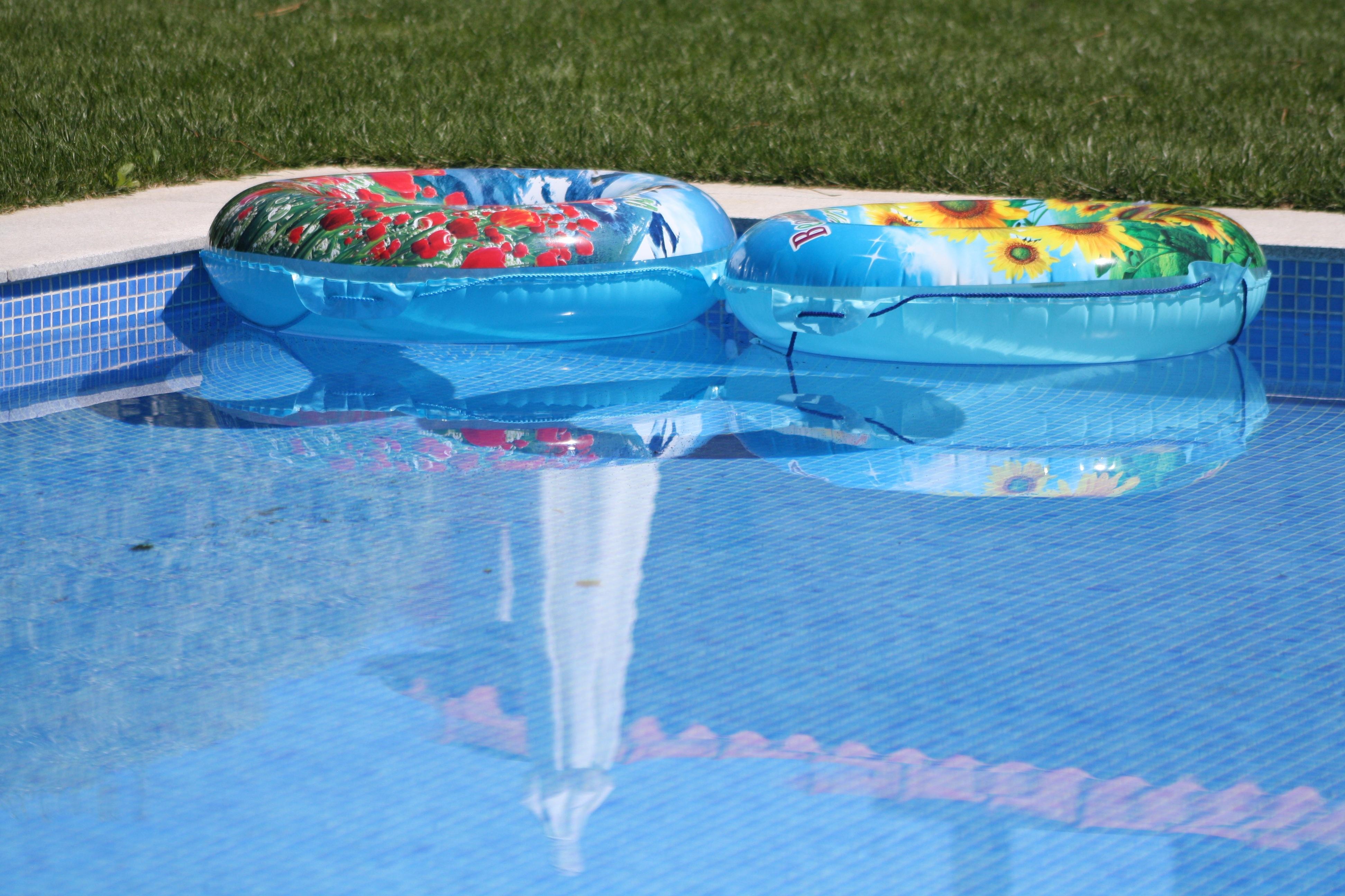 pool-531817